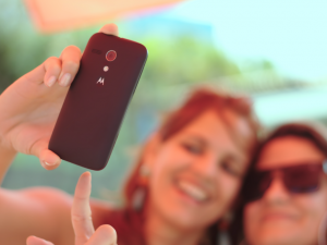 two-ladies-taking-a-selfie-mastercard-biometrics